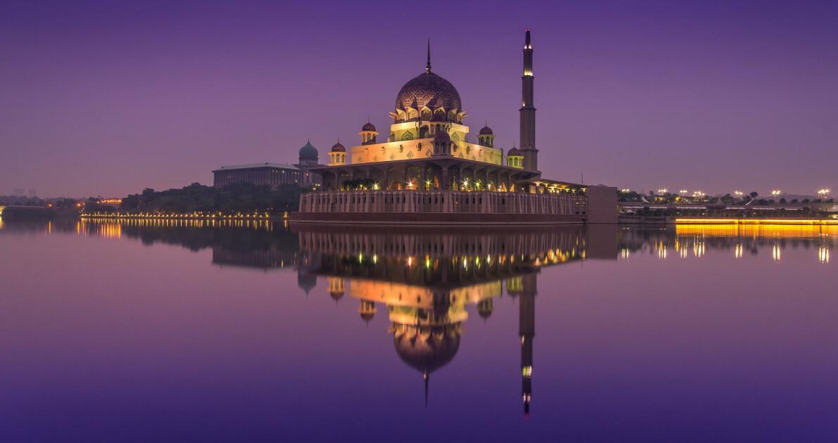 Dubai & Malaysia 6 Days Holiday Travel & Tour Package