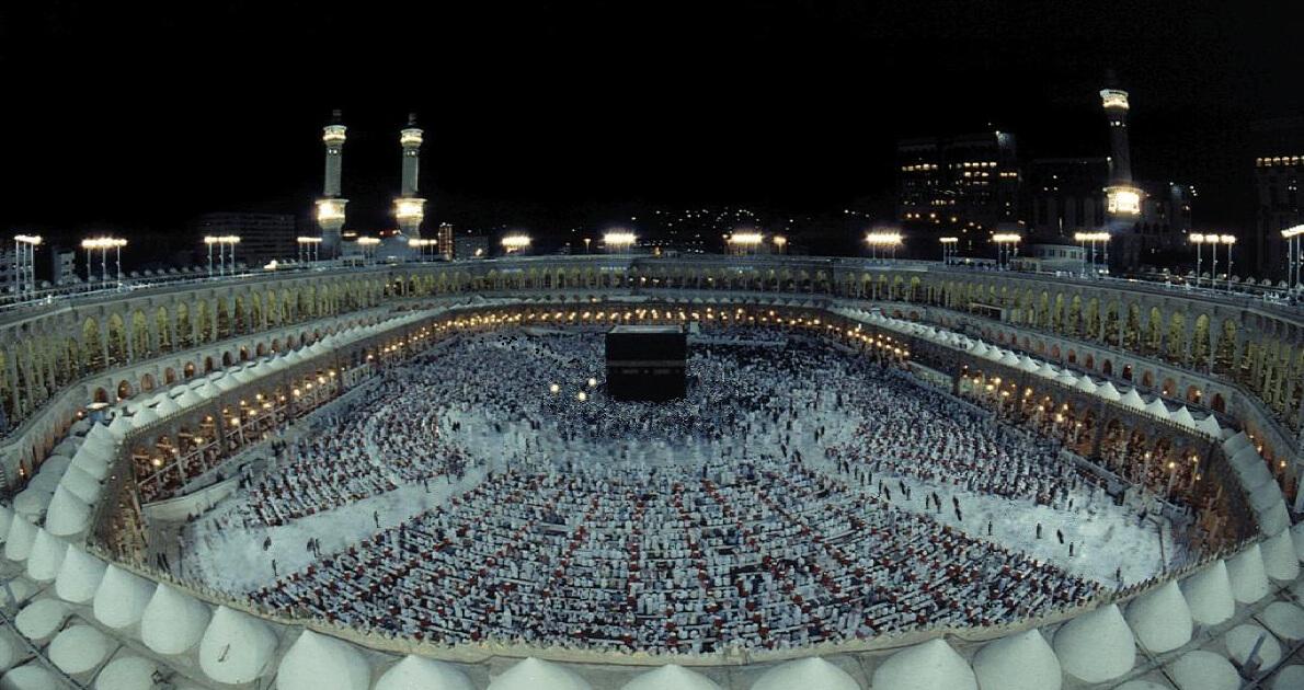 Umrah & Dubai For 15 Days