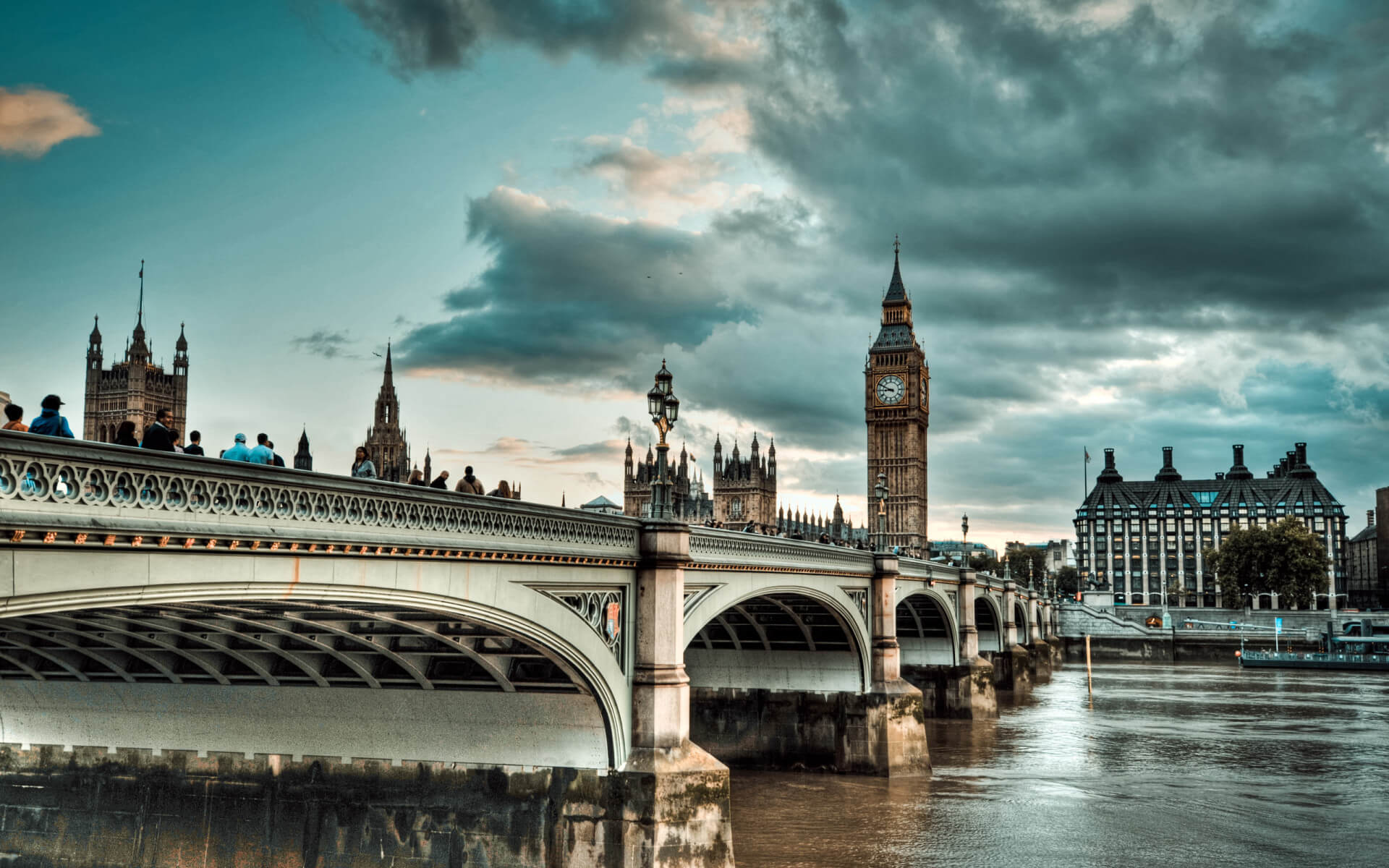 5 Days UK Holiday Travel & Tour Package