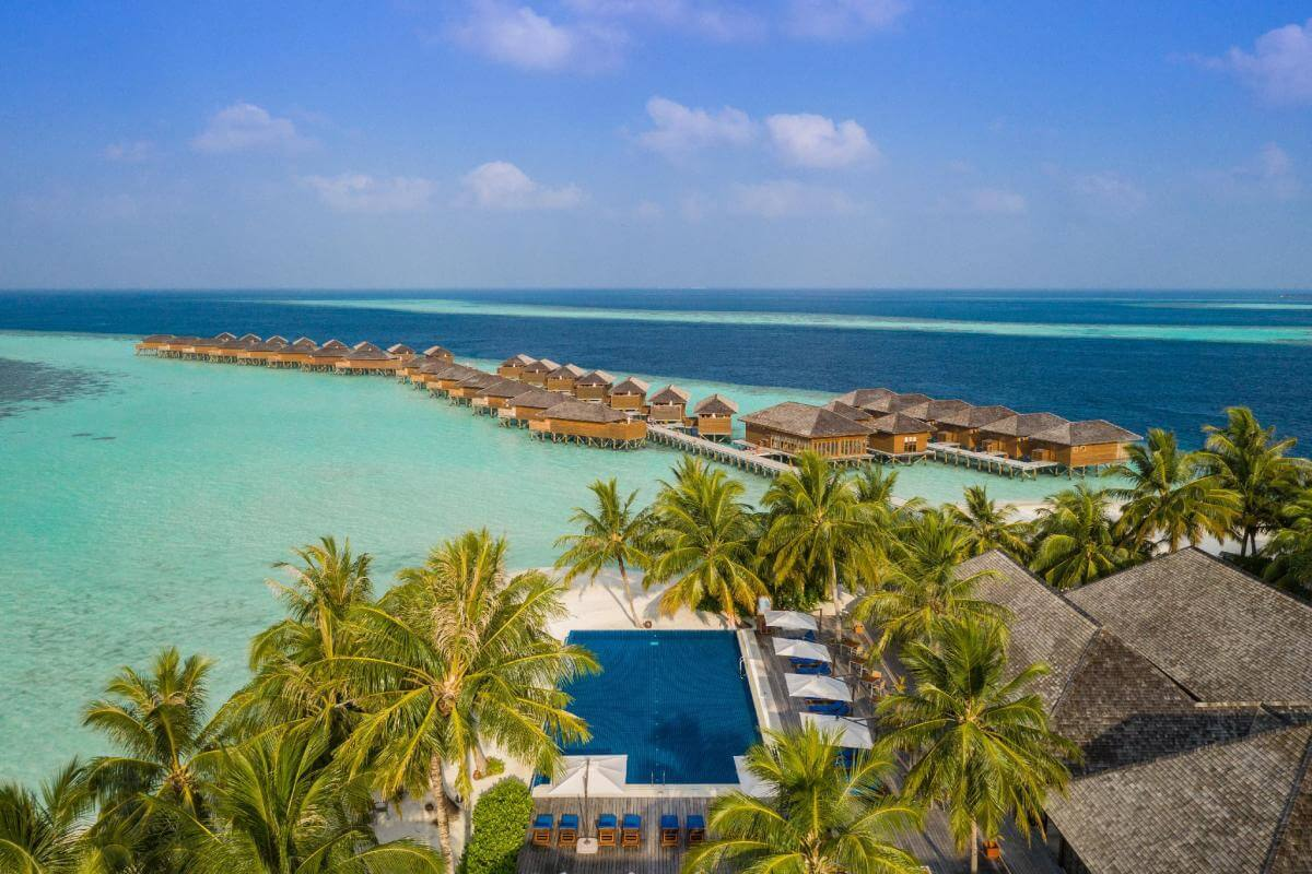 Summer in Vilamendhoo Island Maldive Holiday Travel & Tour Package